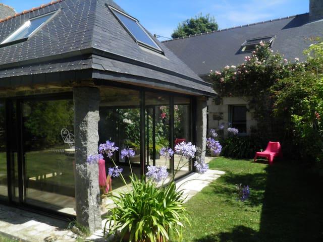Maison et  son jardin d'hiver - Pordic - Dům
