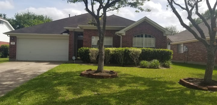 Private West Oaks Village Home