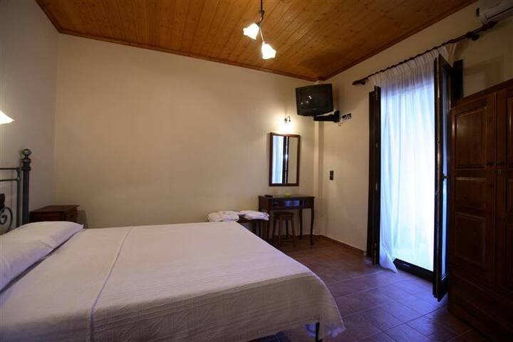 Mirsinia 1 - Glossa - Apartment
