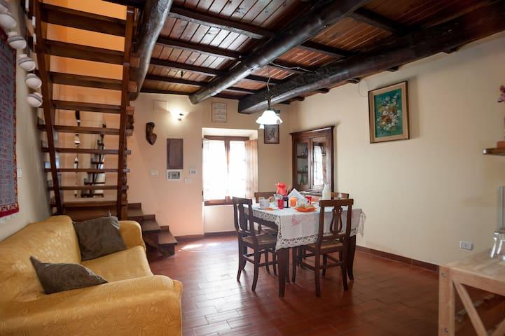 Casa per Civita - Lubriano - Maison