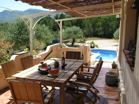 Casa Peregil - landhuis met zwembad, tot 6pers