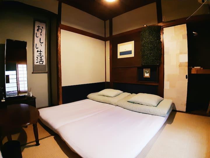 桜木町駅から徒歩7分!落ち着いた茶室風なレトロ和室な個室。