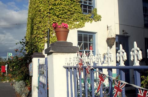 Ty Capel (Rhoscolyn): Cute&Quirky Country Cottage!