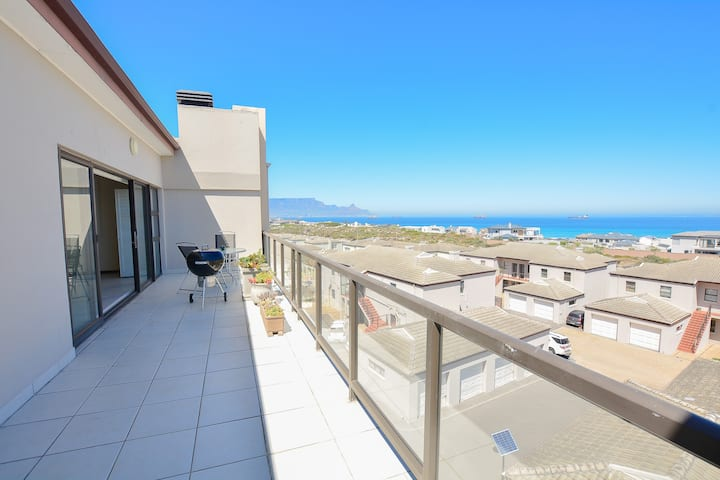 Penthouse, Blouberg +Free Wifi Two Bedroom