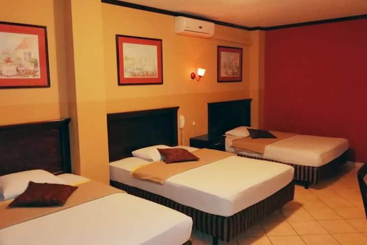 Hotel Merliot, Hab. triple