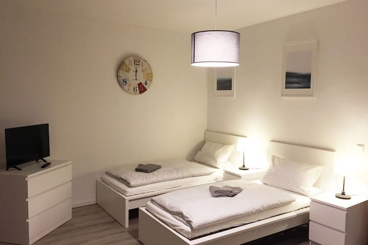 NE15 Nice and cozy apartment with Wifi and balcony