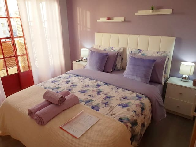 Faro Center Lilac Room Ensuite&Balcony, Netflix