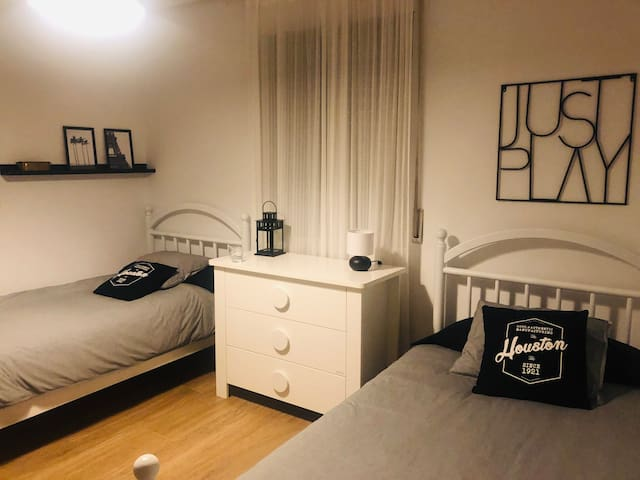 Habitación 2 camas 1,05 cm