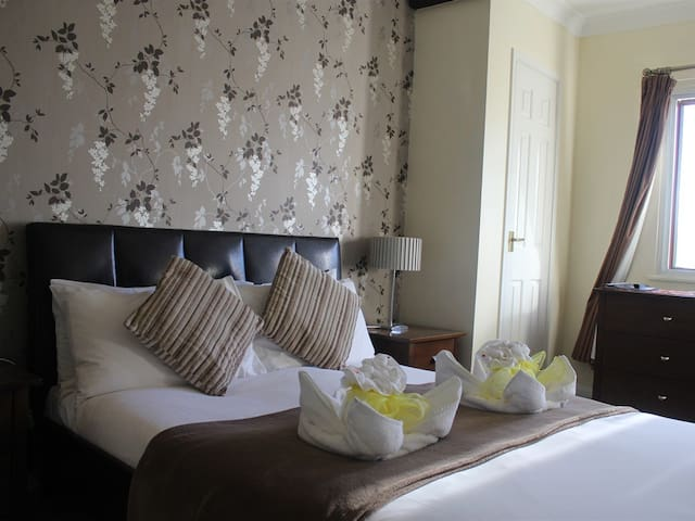 The Swan at Stoford - double room ensuite