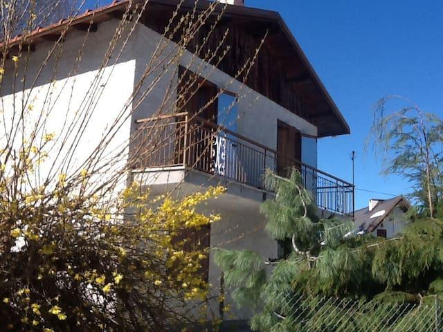 Chalet  in montagna estivo e invernale - Peveragno - Houten huisje