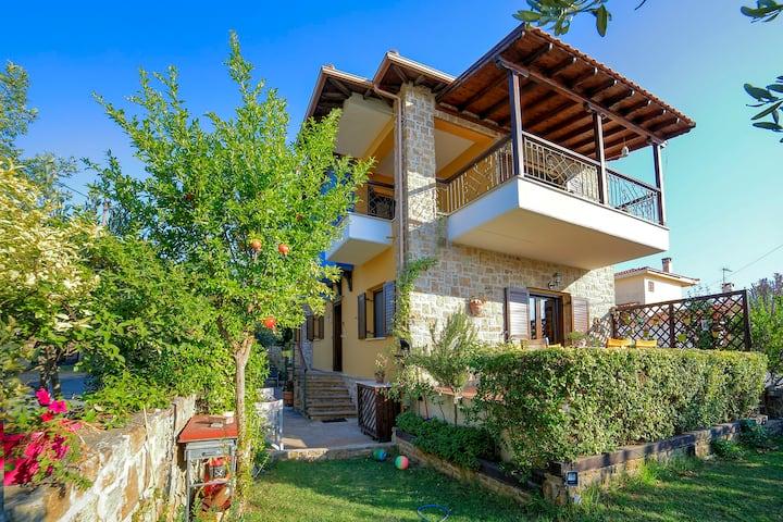 Distinctive Villa close to town centre and beach