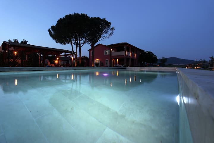 Authentic Villa with Swimming Pool in Grosseto