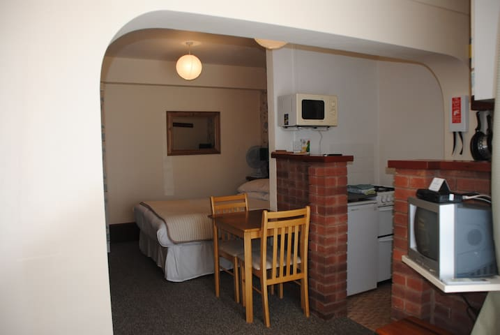 Ottery Tor Apartment in picturesque Maidencombe