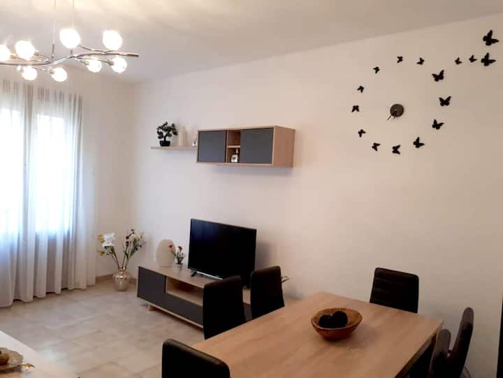 Apartment with 3 bedrooms in Cardona, with wonderful city view, enclosed garden and WiFi