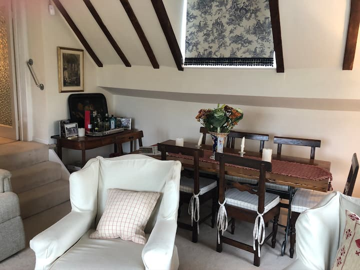 Luxury flat with far reaching country views