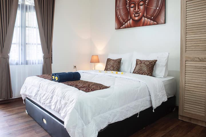Cozy Apartment with Balcony & Kitchen #1