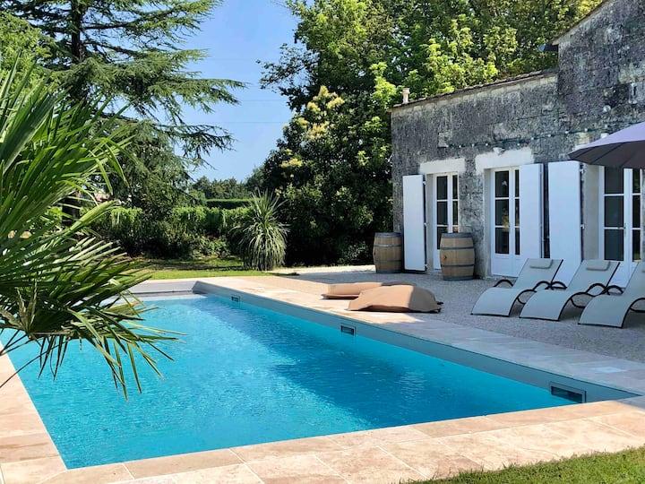 Girondine grande capacité et piscine chauffée