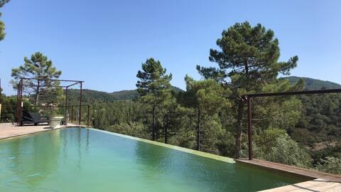 Studio calme avec vue Terrasse et piscine privées