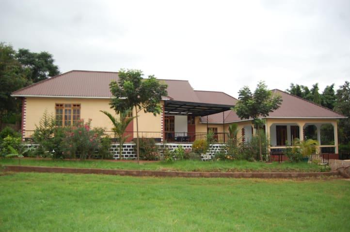 Kilishare lodge and Apartment