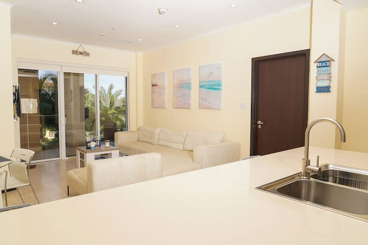 Beautiful apartment in eagle beach levent