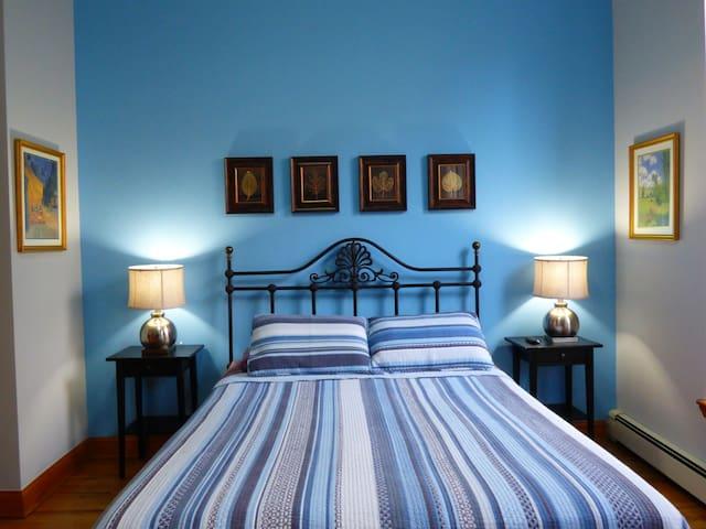 City Room - Private Luxury Suite