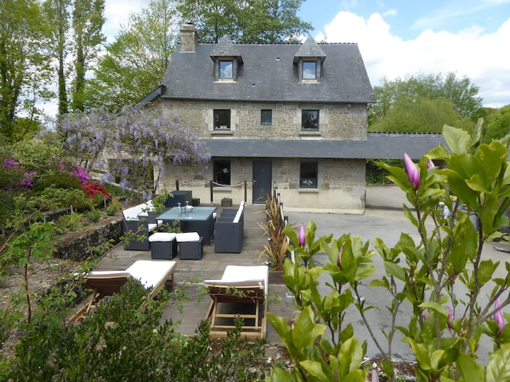 Beautiful House with Pool, set in a quiet Hamlet