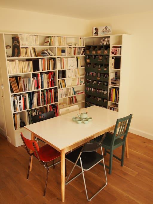 The dining-table / La table pour vos repas