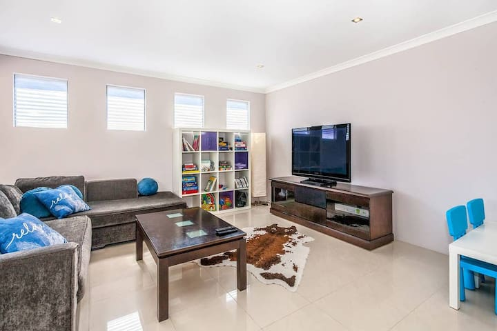 Front Living Room - Great space for the children (Another view)