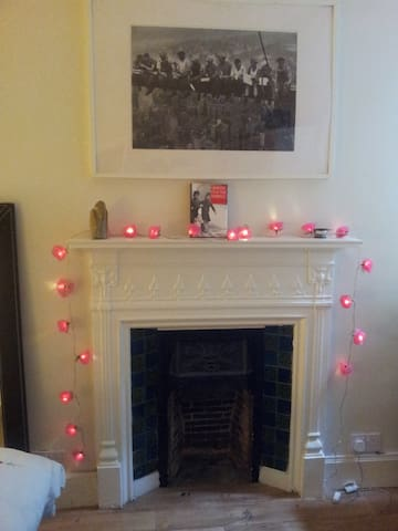 Double Rooms in Heart of West End