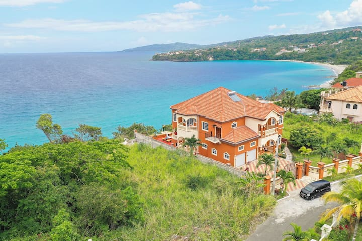 5Bedrm private villa with ocean views