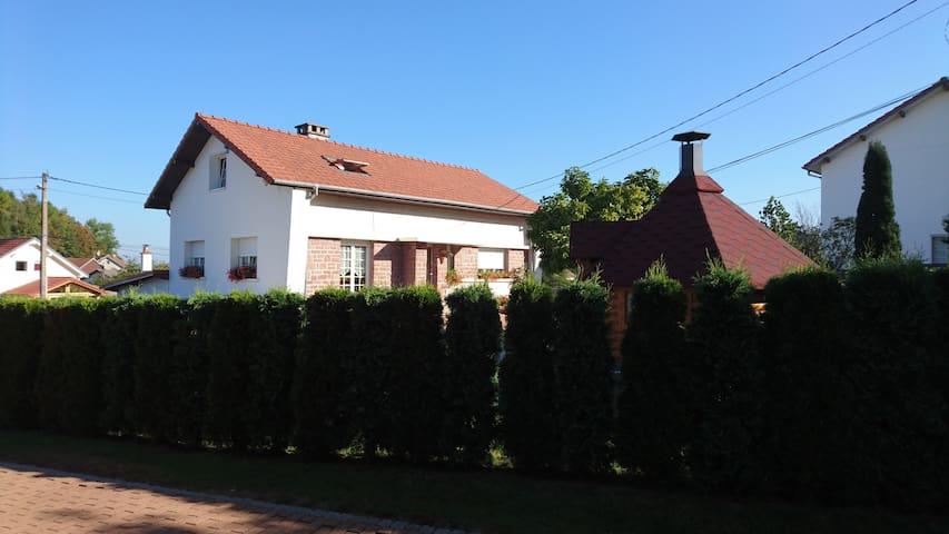 Maison de vacances classée 4* - Anould - Hus