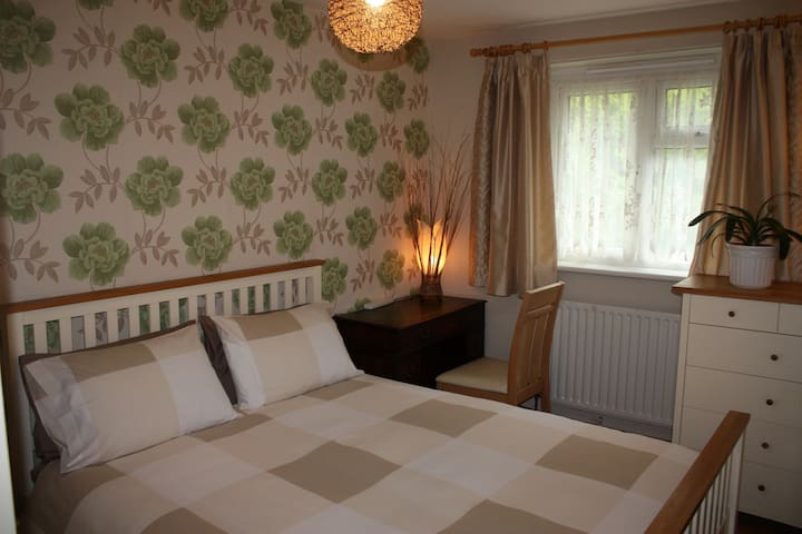 Warm and Cosy Room with a Double Bed