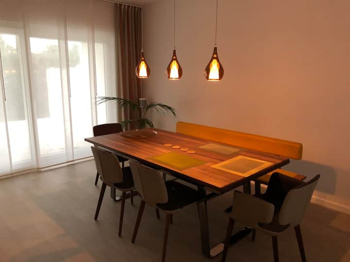 Exclusive apartment in the west of Cologne