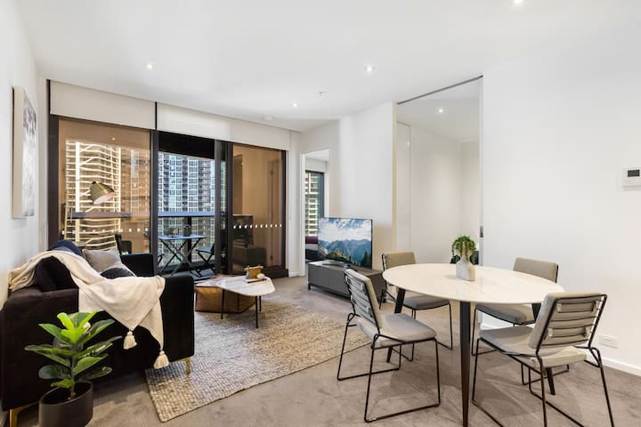 Stylish Southbank Apartment