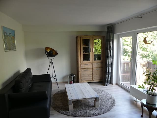 2-room flat with perfect conection to Cologne - Bergisch Gladbach - Lejlighed