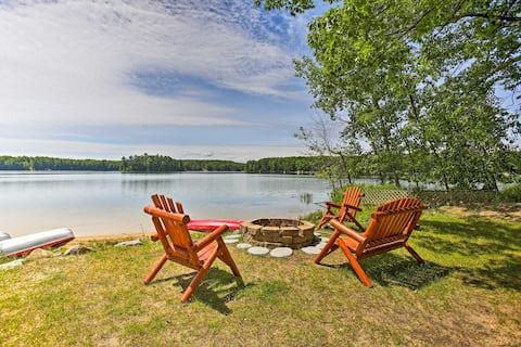 Beautiful Lakefront Cabin in Traverse City Forest!