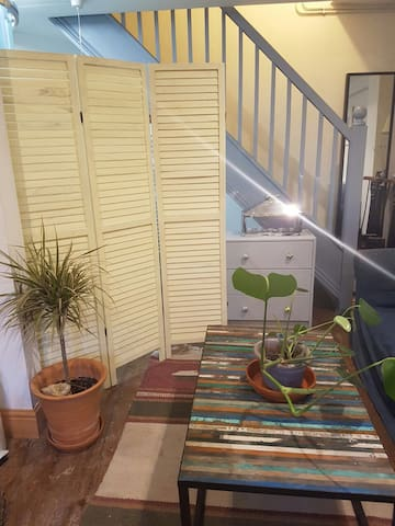 Beautiful Montpelier Self Contained Basement Flat - Bristol - Apartemen