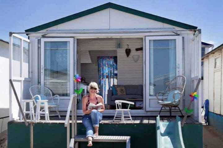 Lovely beach house beach cottage IJmuiden - IJmuiden - 小木屋