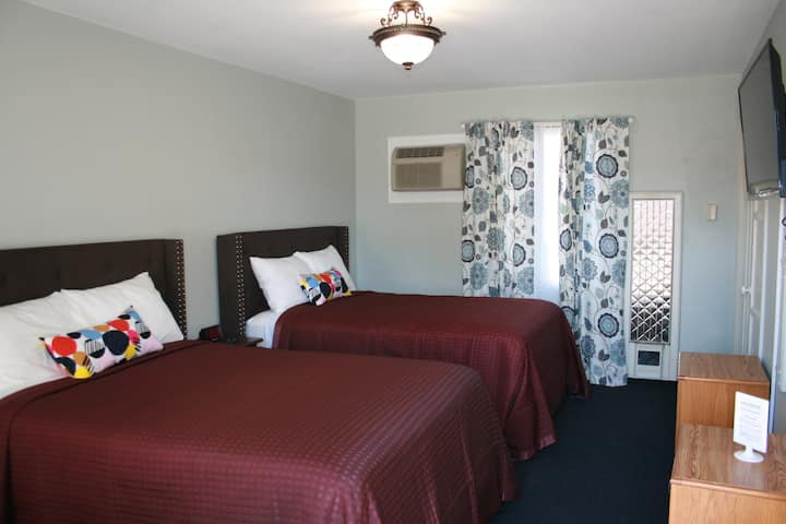 Two double-bed apartment with separate break room