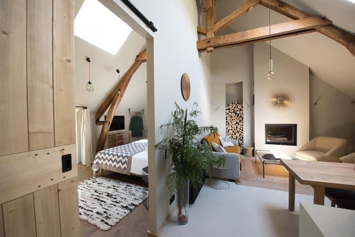 Appartement design - domaine privé de 130 hectares