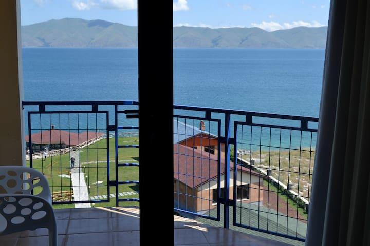 Panoramic Apartment Sevan - Yerevan - Apartamento com serviços incluídos