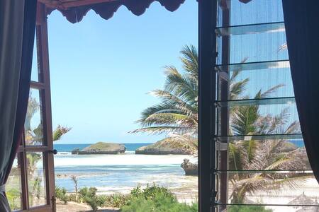 charming apartment on the lovely beach of Watamu - Watamu - Apartamento