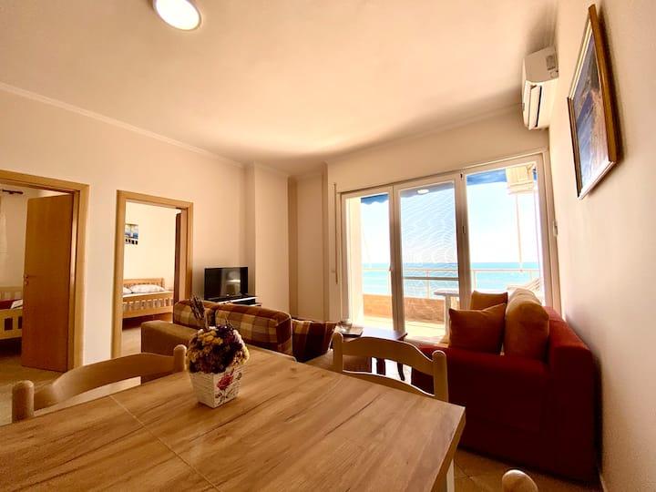 🏖 Beachfront Apartment w/Full Sea Views