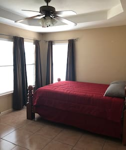 Uvalde, tx Single family home