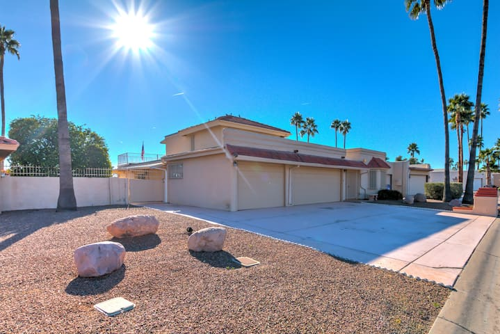 3BR / 3BA in Golf community - Sun Lakes - Hus