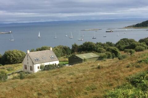 Twin room in the heart of Craighouse, Isle of Jura