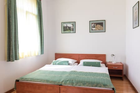 Double bedroom @ Guesthouse Host