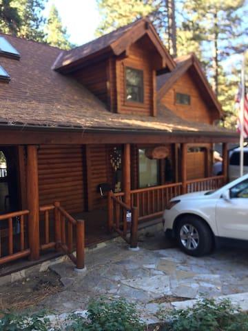 Ponderosa 3000 sq ft Custom Log Cabin - Running Springs - Hus