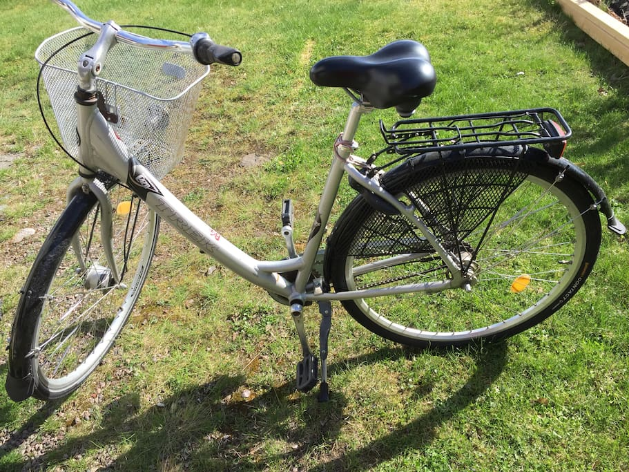 One bicycle to lend