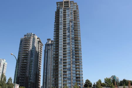 NEW Luxury 1BR Apt Coquitlam Center! Free Parking! - Coquitlam
